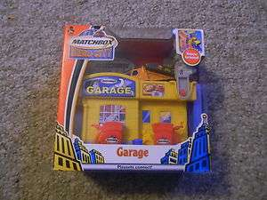 Hero City Garage Playset Tow Truck Wrecker w vehicle NIB