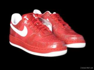 WOMENS NIKE AIR FORCE 1 VALENTINES DAY SZ 7 $100