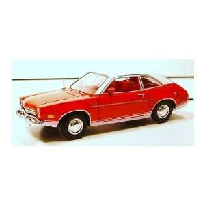 Fresh Cherries 1:24 Schale 1974 Ford Pinto by Motor Max