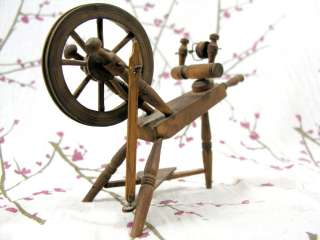 Dollhouse Working Miniature Spinning Wheel Wooden/Wood Vintage