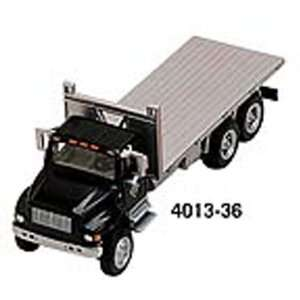 HO Scale International 4900 Flatbed 4013 36 Black/Silver  Toys