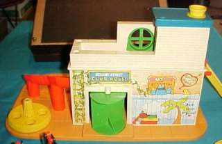 1976 Fisher Price Sesame Street Little People Clubhouse