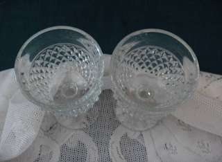 Up for sale are 2 beautiful clear diamond point wine glasses (5.25