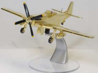 Corgi US32229 1/72 Gold Plated P 51D Mustang USA Collector Club Model