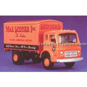 IMEX HO Scale International CO 190 Box Van   Maxx Spinner