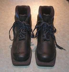 Cross Country Ski Boots 3 pin 75 mm Size 38 KARHU