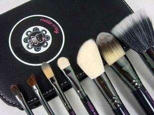 7pcs Hello Kitty Makeup Brush Set Kit and Black Faux Leather Case