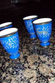 JAPANESE CHINESE BLUE GOLD FOOTED TEA MUGS / SAKE