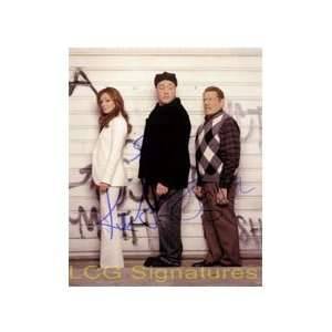 Jerry Stiller) 8x10 By Kevin James, Leah Remini and Jerry Stiller