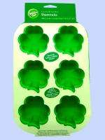 Wilton Shamrock Silicone Mold Cake Pan St Patricks Day 6 Cavity Mini